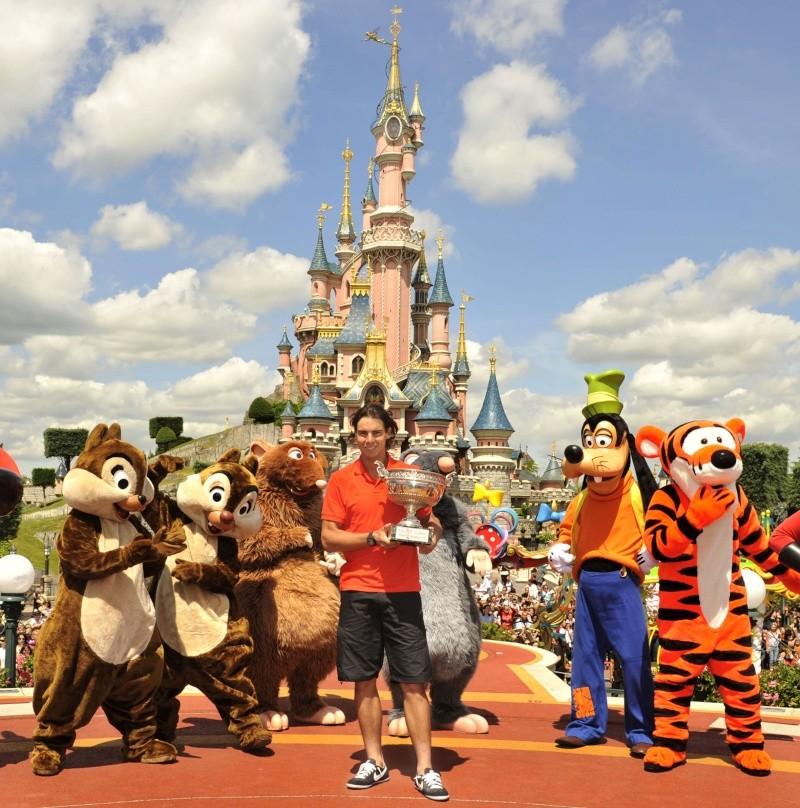 Rafael Nadal fête sa victoire à Disneyland Paris _dsc3810