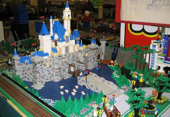 Tous à vos maquettes pour créer votre Disneyland ! Disney10