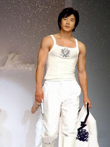 Kwon Sang Woo 21565411