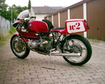 C'est ici qu'on met les bien molles....BMW Café Racer - Page 3 80903_10