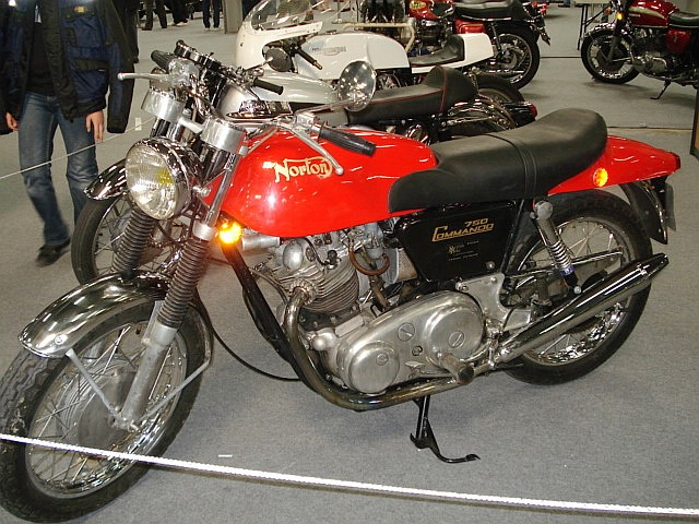 Norton Commando Dsc07610