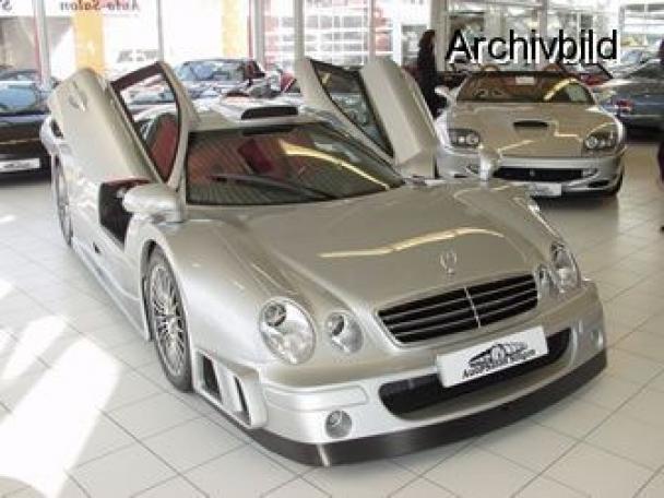 La Mercedes Benz CLK GTR 1998 12384811
