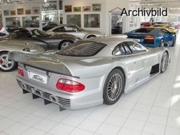La Mercedes Benz CLK GTR 1998 12402311