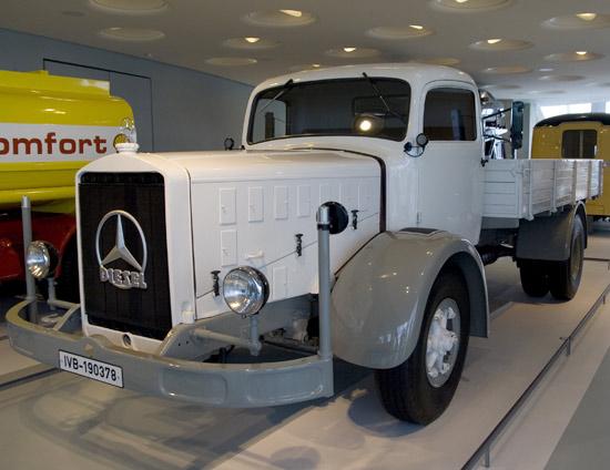 [Historique] Les Poids lourds Mercedes  14363510