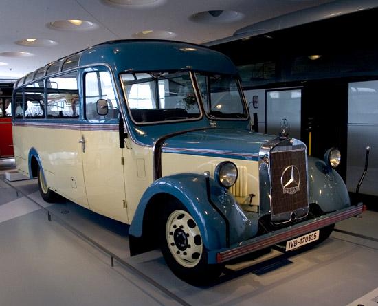 [Historique] Les Poids lourds Mercedes  14365510