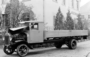 [Historique] Les Poids lourds Mercedes  1924_310