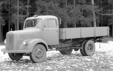 [Historique] Les Poids lourds Mercedes  1949-110
