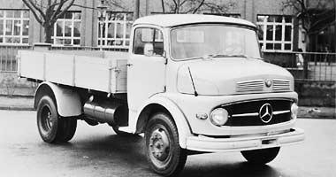 [Historique] Les Poids lourds Mercedes  1959_s10