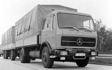 [Historique] Les Poids lourds Mercedes  1975_t10