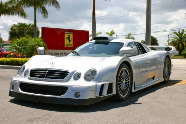 La Mercedes Benz CLK GTR 1998 24901910