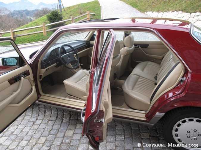 La Mercedes 300 SE (W126)  8_67518