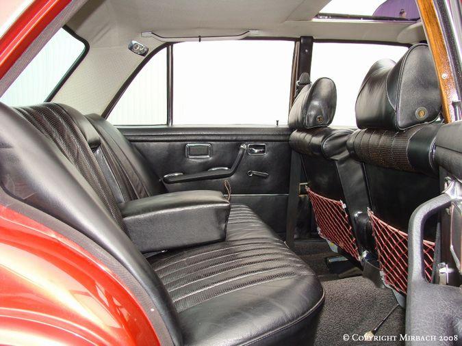 La Mercedes 250 S-SE / 280 S-SE / 300 SE (W108/W109) Berline   8_67528