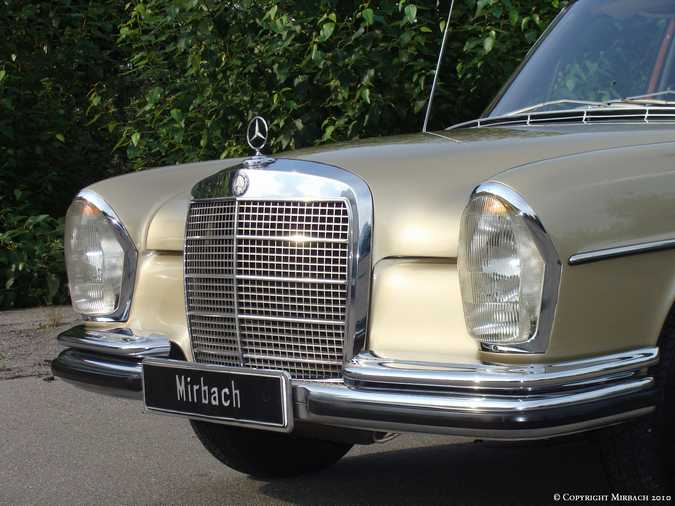 La Mercedes 250 S-SE / 280 S-SE / 300 SE (W108/W109) Berline   8_67529