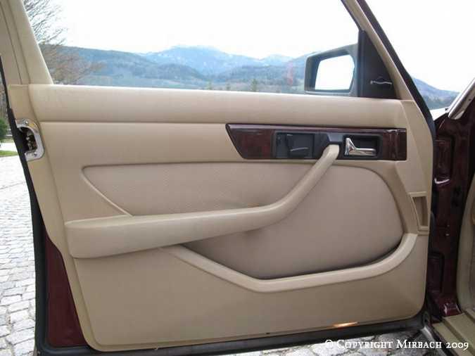 La Mercedes 300 SE (W126)  9_67521