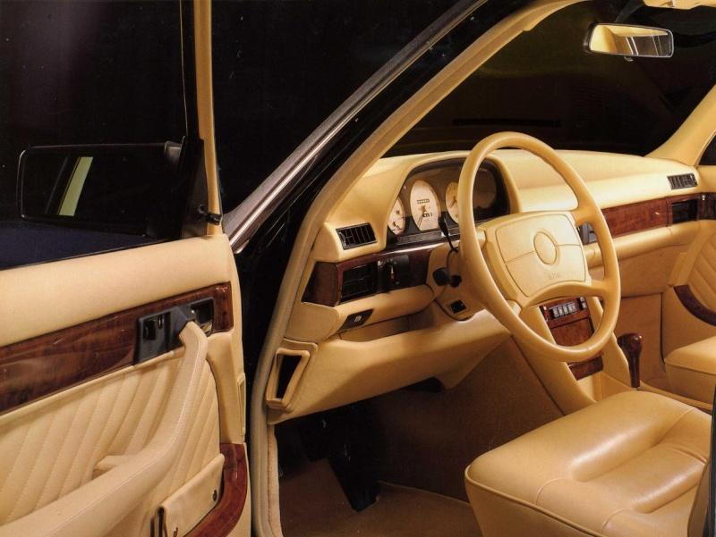 La Mercedes 560 Duchatelet Adb96210