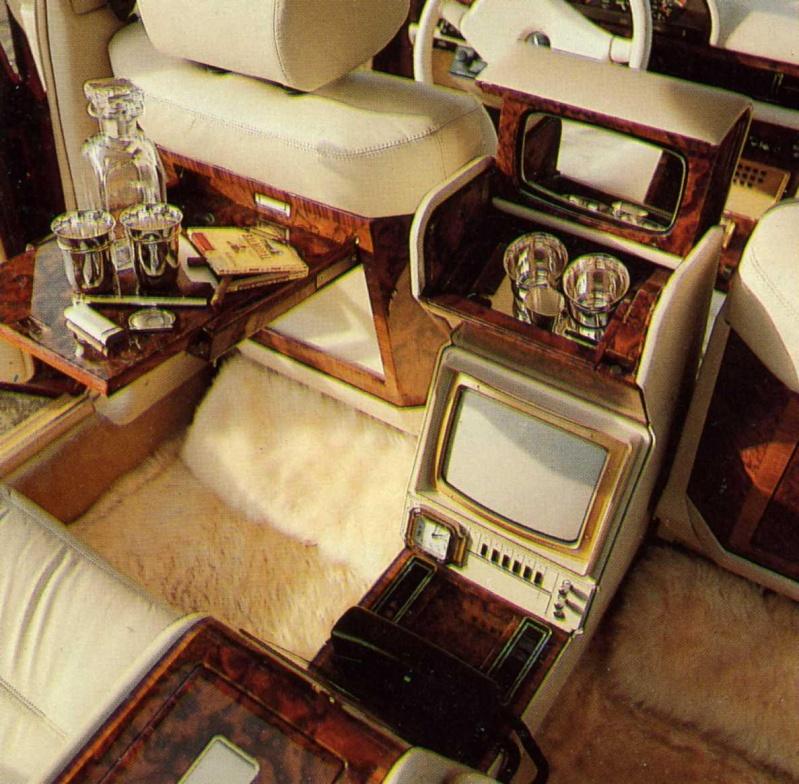 La Mercedes 560 Duchatelet E7616410