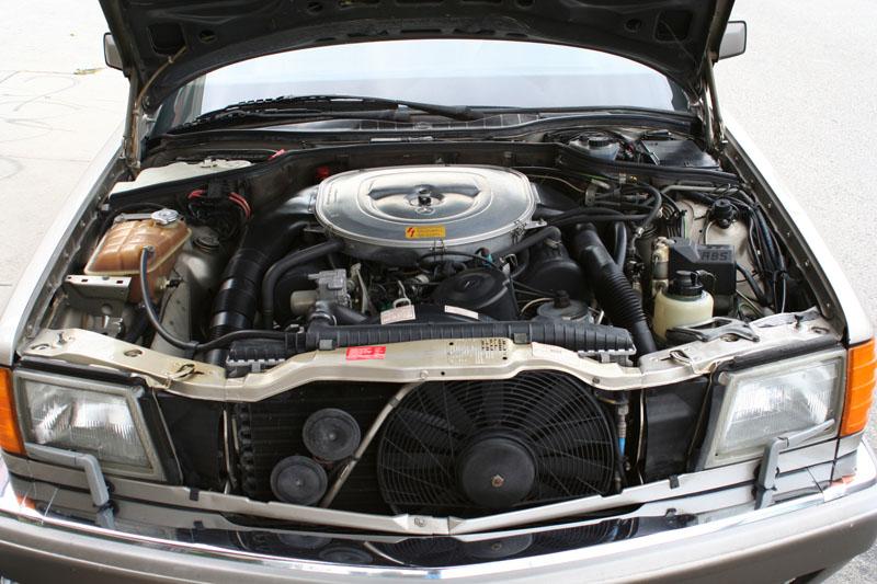 [Historique] Les Coupés SEC C126 (1981-1991) Engine10