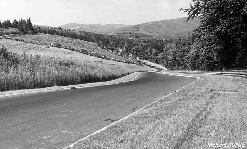 [Circuit] Nürburgring : la Nordschleife Fuchsr10