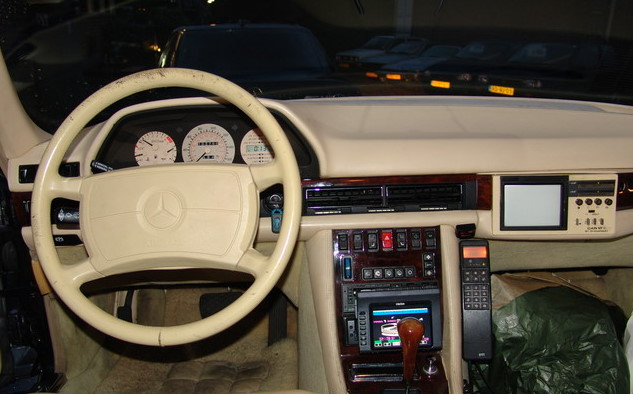 La Mercedes 560 Duchatelet Hann_m11