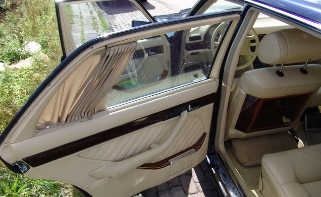 La Mercedes 560 Duchatelet Hann_m25