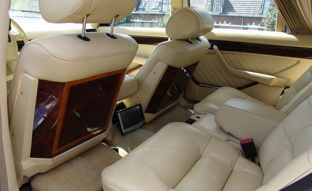 La Mercedes 560 Duchatelet Hann_m26