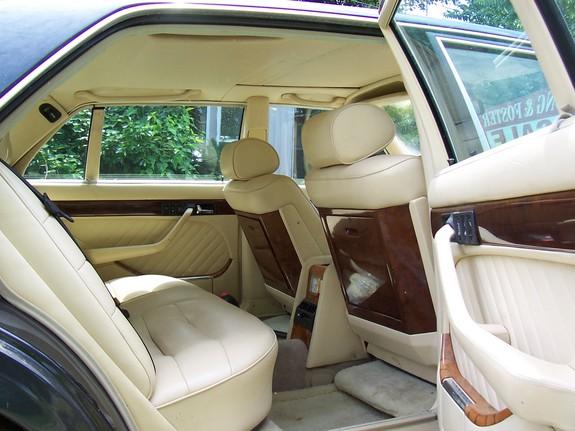 La Mercedes 560 Duchatelet Image130