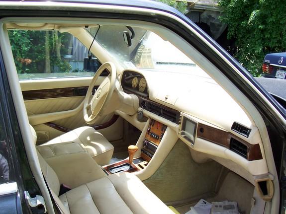 La Mercedes 560 Duchatelet Image131
