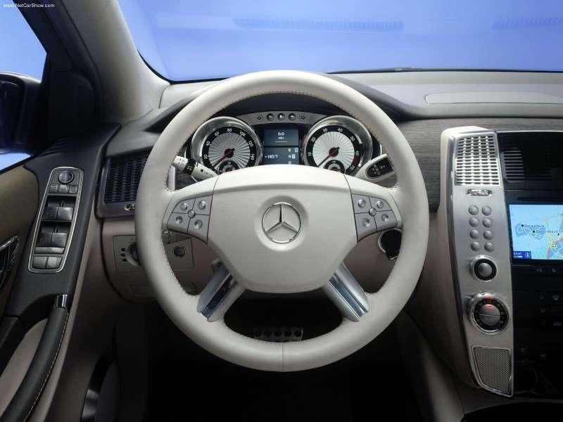 La Mercedes Vision GST Concept (2002) Merc1517