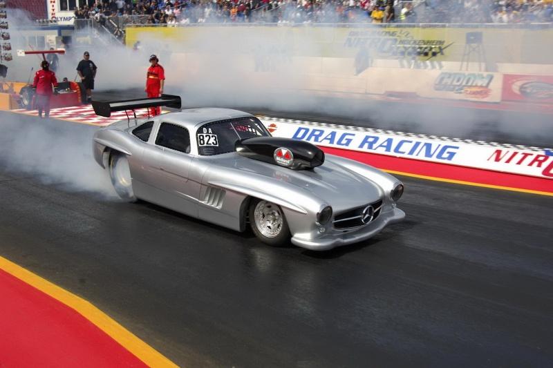 Les répliques de Mercedes Merc2105