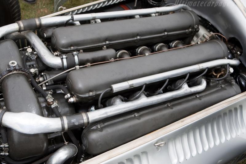 [ Historique] Mercedes-Benz W 154 1938-1939 (F1)  Merce800