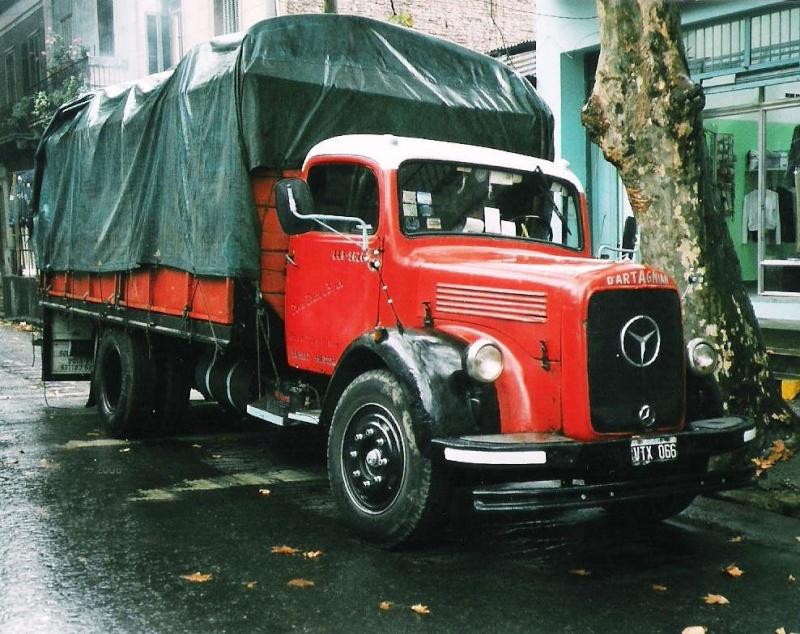 [Historique] Les Poids lourds Mercedes  Merce916