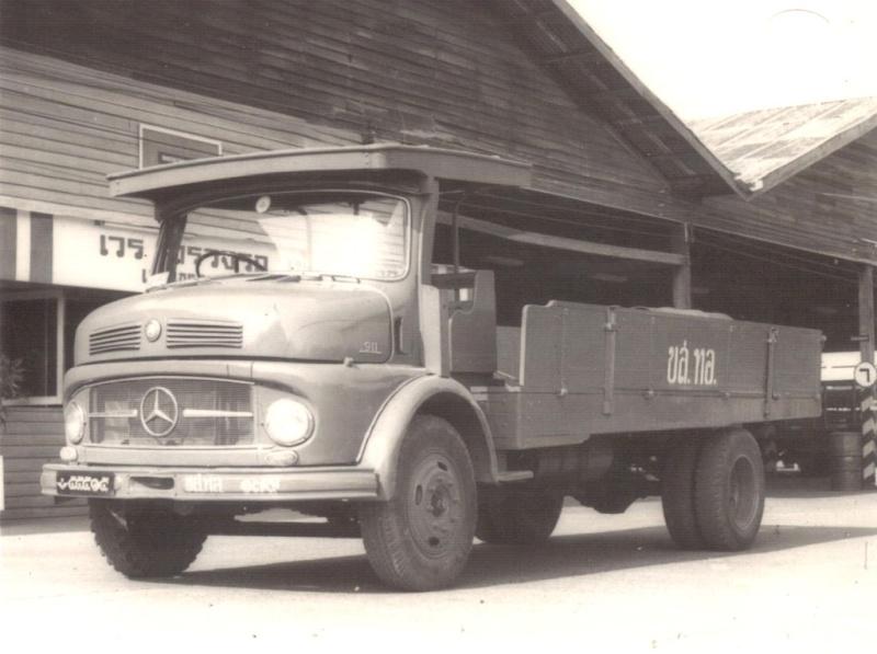[Historique] Les Poids lourds Mercedes  Merce926