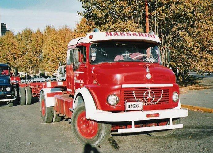 [Historique] Les Poids lourds Mercedes  Merce932
