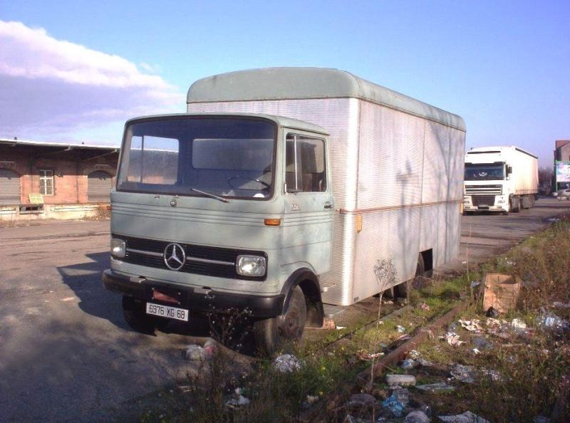 [Historique] Les Poids lourds Mercedes  Merce937