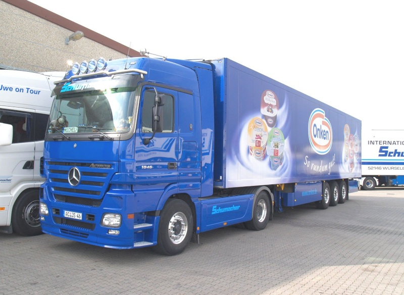 [Historique] Les Poids lourds Mercedes  Merce955