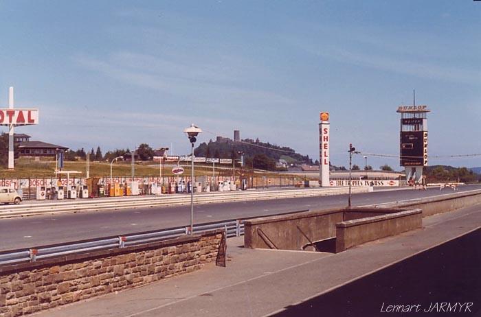 [Circuit] Nürburgring : la Nordschleife Pit_co10