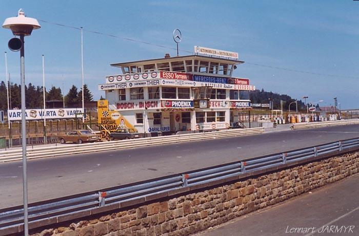 [Circuit] Nürburgring : la Nordschleife Pit_in10