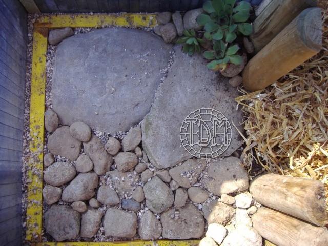 NORD de la France, Suisse: exemple d'une fosse d'hibernation coffrée avec serre pour espèces sensibles à l'humidité Hc710