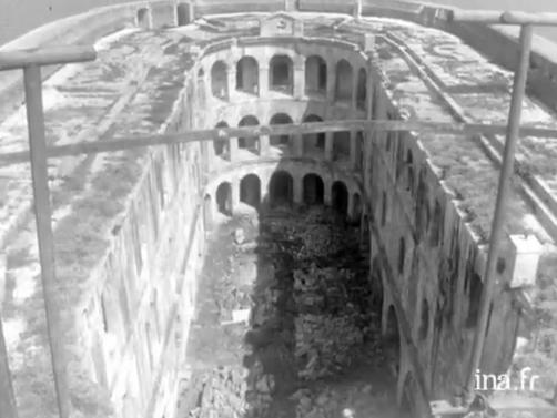 """Vidéo : """"Fort Boyard acheté par un particulier en 1962"""" Fort_b12"""