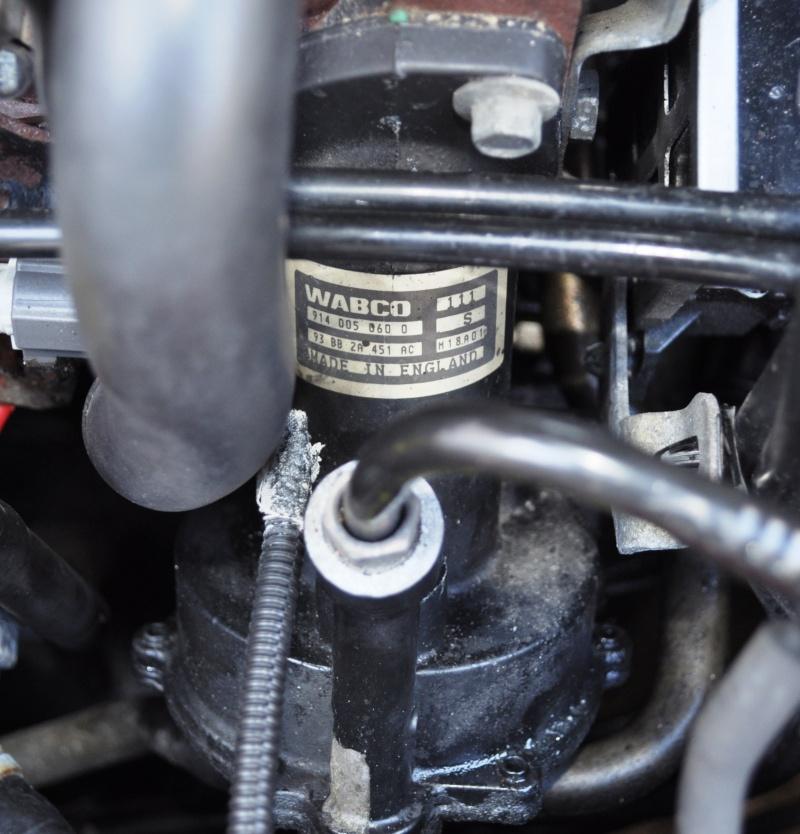 [Escort van 1.8 TD an 2001] fuite pompe à vide + remplacement (résolu) Dsc_0125