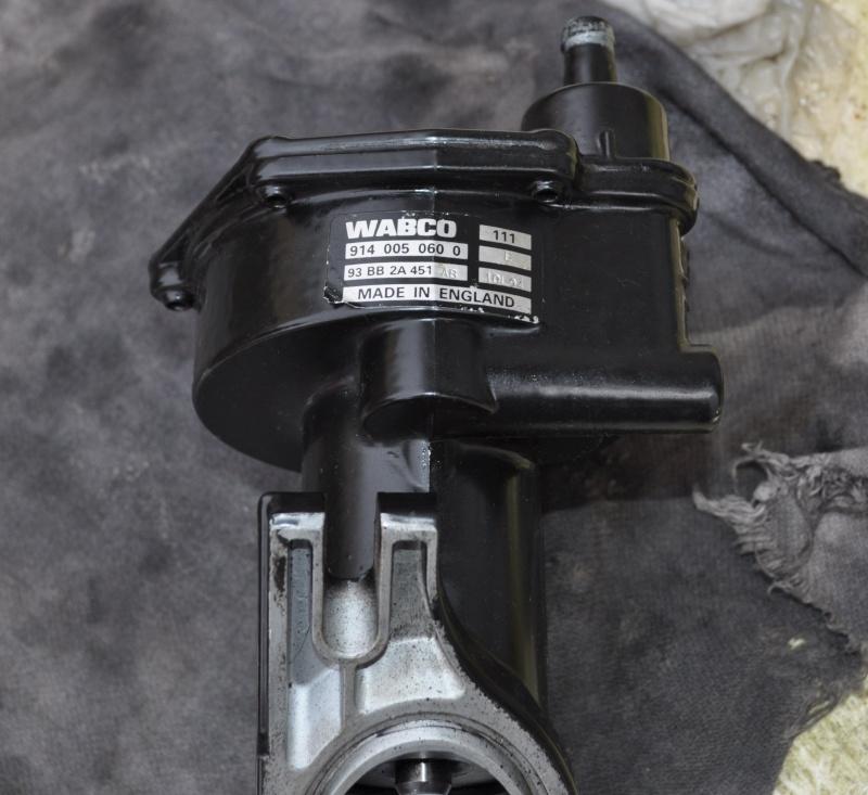 [Escort van 1.8 TD an 2001] fuite pompe à vide + remplacement (résolu) Dsc_0130
