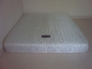 Queen Size Mattress for sale Mattre10