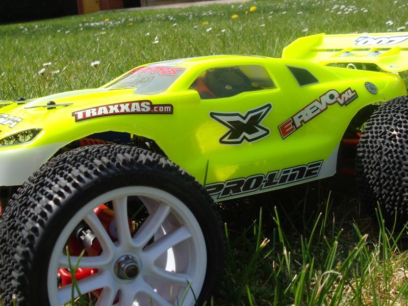 TRAXXAS E-REVO 1/16e legerement optionné !!!! Dsc06417