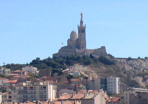 """Manifestation pour la """"Reconquête de l'Identité provençale de Marseille"""" Notre-10"""