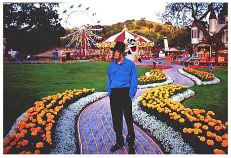 Sognando Michael Jackson - Pagina 11 Mj-at-10