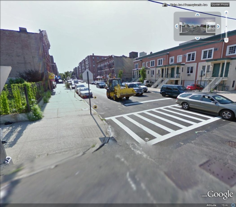 STREET VIEW : les tracteurs en ville ! Trac10