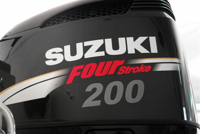 Jeanneau Cap Camarat 635 cc + Suzuki 200 DF - Página 2 Dsc00118