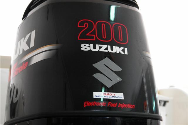 Jeanneau Cap Camarat 635 cc + Suzuki 200 DF - Página 2 Dsc00119