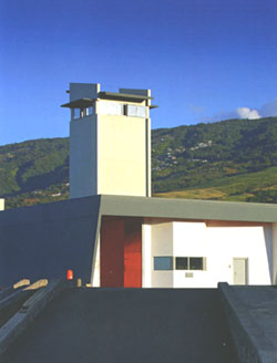 Etablissement Pénitentiaire - Centre Pénitentiaire Domenjod / Saint Denis / Réunion. Saintd10