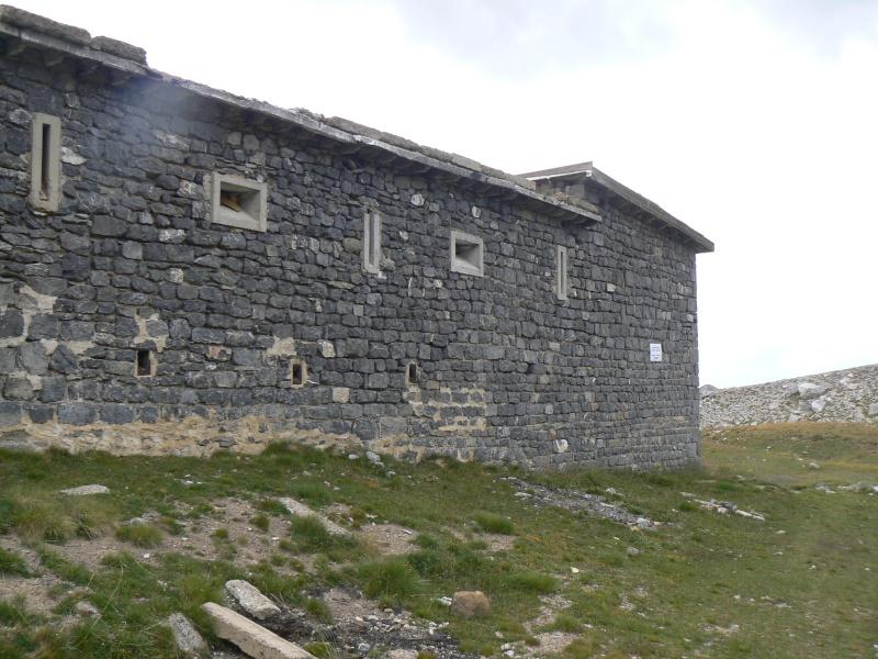 bunker dans la région alpes de haute provence P1030834